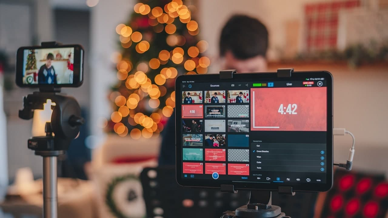 What is Live Streaming and How Does Live Streaming Work?